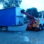 RRS Recovery Arkroyal lifting Loaded Trailer